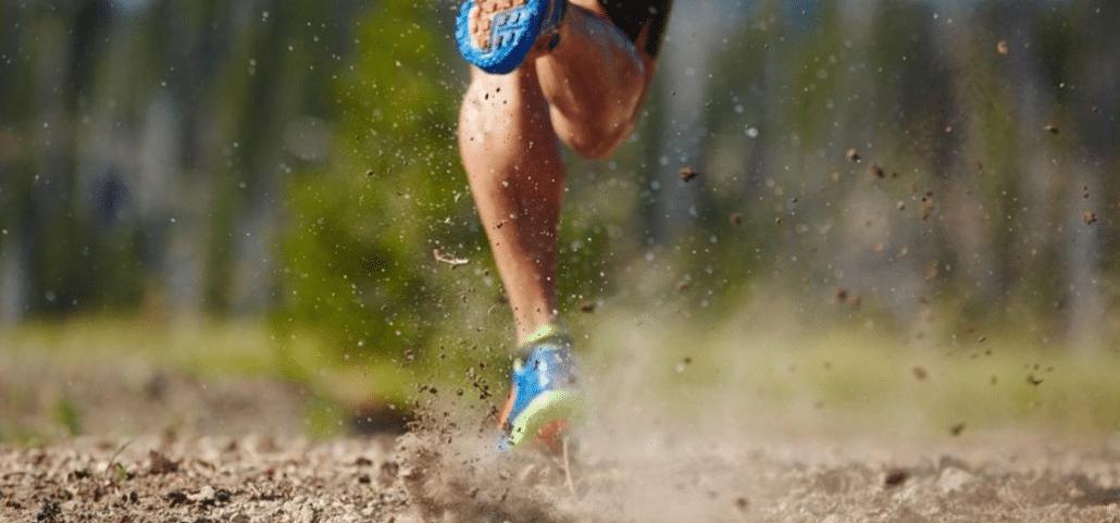 runner running on trail race